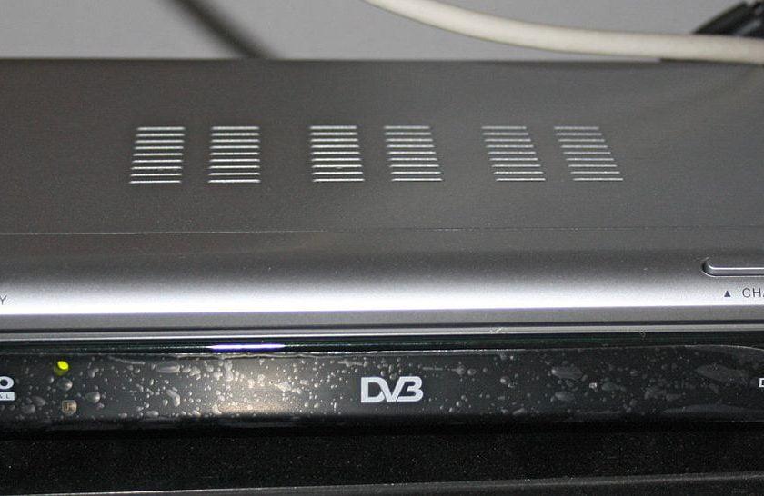 Conectare STB, decodor TV la Televizor