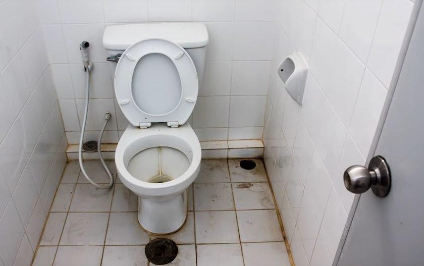 vas-toaleta-wc-public